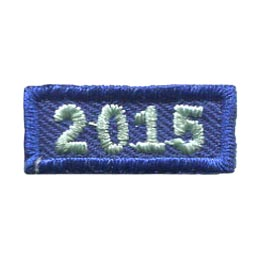 This 1 inch wide by 0.5 inch high rocker forms a straight-edged rectangle. The year 2015 is embroidered in a bold font.